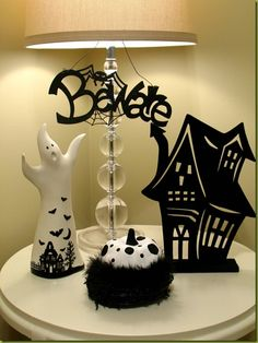 Do you have your Halloween Decorations all figured out? Do you know what you want for inside and outside? If not here are some photos that may give you the inspiration you need. Enjoy!