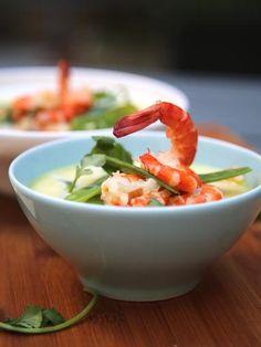 Soupe asiatique aux crevettes et à la coriandre : Recette de Soupe asiatique aux crevettes et à la coriandre - Marmiton