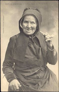 old lady smoking pipe | Details about France, Old Pipe Smoking Woman Bretagne, Costumes 1908