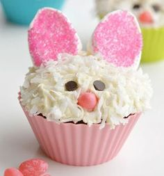 These Easter bunny cupcakes are SO ADORABLE! And they are so simple to make! Those marshmallow ears are just brilliant, and I love the coconut fur! Such a fun idea for an Easter treat, or even a spring birthday party! Easter Bunny Cupcakes, Easter Treats, Coconut Cupcakes, Mocha Cupcakes, Banana Cupcakes, Vegan Cupcakes, Gourmet Cupcakes, Strawberry Cupcakes, Flower Cupcakes