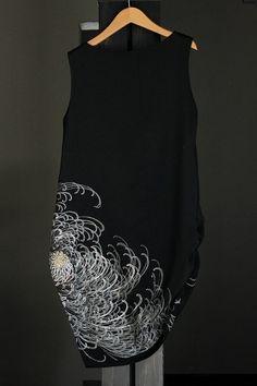画像: サイドタックアシメワンピ Kimono Fashion, Diy Fashion, Vintage Fashion, Fashion Outfits, Womens Fashion, Hand Painted Dress, Recycled Fashion, Kimono Dress, Minimal Fashion
