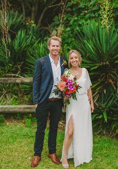 ZOE + TIM // #realwedding #bride #groom #wedding #ceremony #photographer #bouquet #coastalwedding
