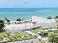 Em 2014, o TEDxRecife acontece no Teatro Luiz Mendonça, no Parque Dona Lindu.