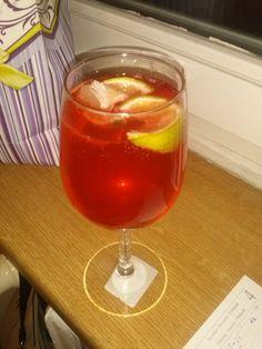 finlandia żurawinowo- jabłkowa + sprite+ limonka :D mniami :D