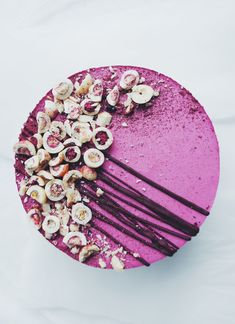 - i make cake Raw Desserts, Just Desserts, Delicious Desserts, Dessert Recipes, Raw Cake, Vegan Cake, Sweet Recipes, Vegan Recipes, Mousse Cake