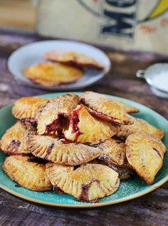 Tuti szilvás batyu | Street Kitchen Winter Food, Biscotti, Cookie Recipes, Tart, French Toast, Good Food, Food And Drink, Sweets, Cookies