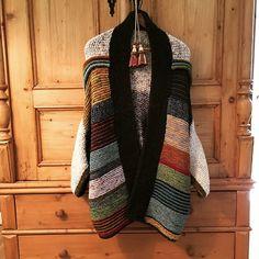Ravelry: Project Gallery for Penguono pattern by Stephen West Cardigan Pattern, Knit Cardigan, Knitted Poncho, Knitting Projects, Knitting Patterns, Seed Stitch, Garter Stitch, Knit Fashion, Ravelry