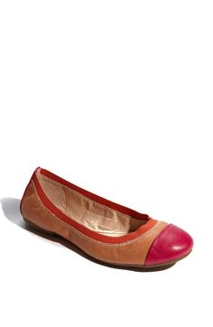 jessica simpson two tone flat