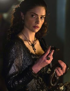 Janet Montgomery costumes | Janet Montgomery as Mary Sibley in Salem (TV Series, 2014).
