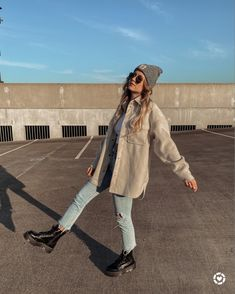 Uni Outfits, Winter Fashion Outfits, Fall Winter Outfits, Trendy Outfits, Dr. Martens, Dr Martens Outfit, Outfit Invierno, Streetwear, Mode Inspiration