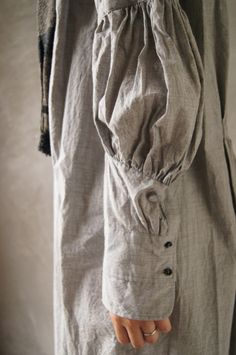 vintage details all in the sleeve