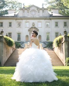 the gown AND the mansion <3