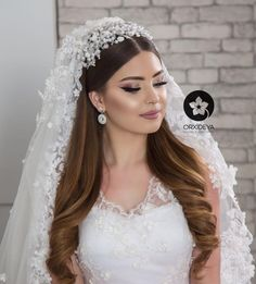 ✔ Hair Updos For Weddings Indian Romantic Wedding Hair, Wedding Veils, Wedding Looks, Wedding Dresses, India Wedding, Bride Makeup, Wedding Hair And Makeup, Bridal Hair, Hair Wedding