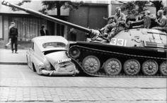 GALERIE: Archiv StB - ti, co zemřeli rukou okupantů v roce 1968 | FOTO 16…