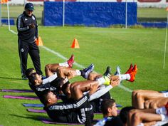 JAIME ORDIALES ANUNCIA QUE NO HABRÁ MÁS REFUERZOS El director deportivo de Chivas y el técnico han coincidido en cerrar este tema. Señaló confiar en la capacidad del DT, Matías Almeyda.
