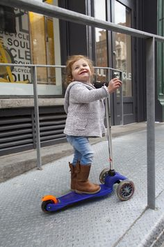 mama{love} NYC's ride review: Mini Micro Scooter  http://www.mamalovenyc.com/3/post/2014/04/mamalove-nyc-ride-review-mini-micro-scooter.html