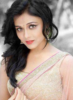 Gorgeous.. #PrarthanaBehere #Marathi #Actress