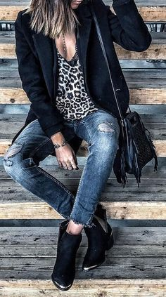 #fall #outfits Black Cardigan // Leopard Top // Skinny Jeans // Ankle Boots