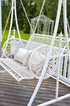 RUUTUOVEN TAKAA Porch Swing, Outdoor Furniture, Outdoor Decor, Spring, Home Decor, Draping, Decoration Home, Room Decor, Porch Swings