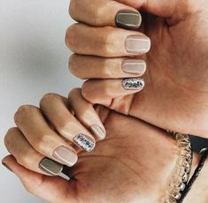 pinterest : imxnniii ♡ ❀ ✨ love these nails Neutral Nails, Nude Nails, Fancy Nails, Pretty Nails, Ten Nails, Manicure Y Pedicure, Manicure Ideas, Nail Jewelry, Nagel Gel