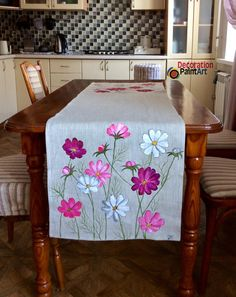 Hand-painted Cosmos Table Runner Rustic Cloth Decoration Holiday Decorations Centerpiece Art painting Burlap Linen Flowers mother's day gift - Quilt patterns Painting Burlap, Fabric Painting, Fabric Art, Fabric Paint Shirt, Rustic Table, Diy Table, Fabric Paint Designs, Table Runners, Burlap Runners