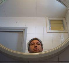Fran Alonso: autorretrato. Andorra, agosto de 2007. A tristeza esférica.