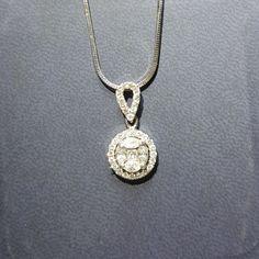 Liontin emas 💎 berlian Mode Esperanza. (Hrg cuci gudang).   Toko Perhiasan Emas Berlian-MJ,Jakarta +628118455779/DC9E309C Cp.Tri. #emas #berlian #investasi #fashion