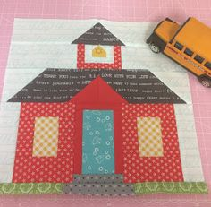 Bee In My Bonnet: Schoolhouse Block Tutorial! House Quilt Patterns, House Quilt Block, House Quilts, Quilt Block Patterns, Pattern Blocks, Quilt Blocks, Pattern Ideas, Lap Quilts, Mini Quilts