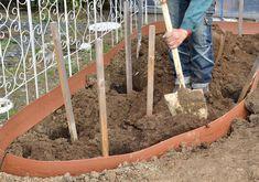 """初心者さん必見! 初めての本格的な花壇づくり〜 憧れの""""バラの庭""""をつくろう[完全保存版] – GardenStory (ガーデンストーリー) Garden Tools, Green, Flowers, Roses, Gardening, Paper, Gardens, Pink, Yard Tools"""