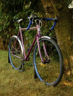 Straggler Surly Straggler, Surly Bike, Bike Design, Form Design, Build A Bike, Commuter Bike, Touring Bike, Classic Bikes, Road Bikes