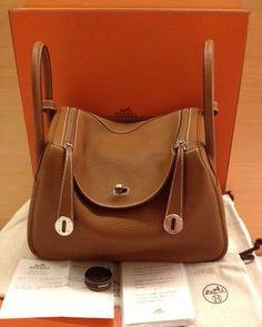 87eee3056427 Hermès lindy en cuero 500mil envío gratis 💕👜🔝 Hermes Handbags
