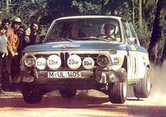 Always loved the BMW rally version is even better. Bmw 2002, Porsche, Audi, Classic European Cars, Classic Race Cars, Classic Auto, Mini Cooper S, Portugal, Bmw Alpina