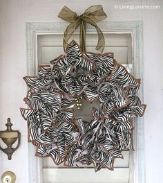 DIY Napkin Holiday #Christmas Wreath Craft by Amy Locurto