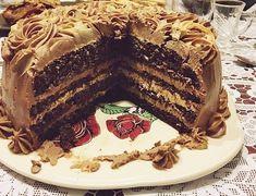 Tort cu crema de cafea si ciocolata | Rețete Papa Bun Romanian Desserts, Cocoa Cake, Dessert Cake Recipes, Mousse, Something Sweet, Let Them Eat Cake, Cake Cookies, Yummy Cakes, Sweet Tooth