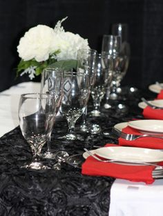 Table Inspiration from Classic Hall Event Center at the St. Cloud Wedding Expo.