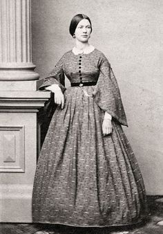 What a gorgeous dress. I love how beautiful the women looked in the Civil War era.