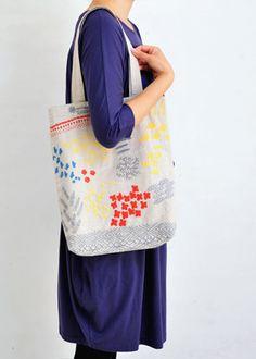 手刺繍トートバッグ
