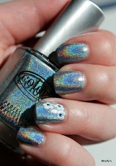 Holokukkasia / Holographic flowers. Color Club - Blue Heaven / China Glaze - White Out / OPI - Keeping Suzi At Bay