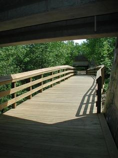 Housatonic Rail-Trail in Trumbull (Pequonnock Valley Greenway) Photos - Tait Road - Maple Drive
