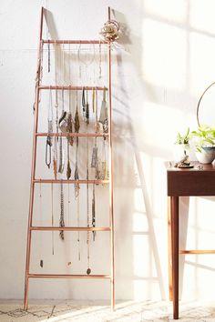 Decorative Metal Ladder for jewelry storage Purple Home, Jewellery Storage, Jewelry Organization, Necklace Storage, Jewellery Stand, Sofa Shop, Storage Hacks, Storage Ideas, Shelving Ideas