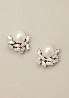 Flower and Pearl Earrings -- [Material: Sterling silver with pure platinum finish, freshwater pearl, cubic zirconium.]'h4d'