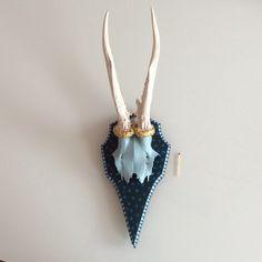 Wanddeko - Handbemaltes Geweih - ein Designerstück von Soppiano bei DaWanda