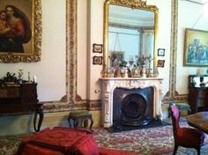 Explore colonial history at the stately VAUCLUSE HOUSE - check out each and every one of the rooms full of living history, admire the elegant furnishings/furniture + enjoy a lovely walk at the beautiful Pleasure Garden!