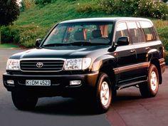 Toyota Land Cruiser 100 VX (J100-101) '1998–2002 Landcruiser 100, Toyota Land Cruiser 100, Off Roaders, Toyota 4, Jeep 4x4, Japanese Cars, Offroad, Landing, Dream Cars