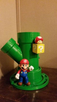 Mario themed hair caddy DIY from pvc pipes! Super Mario Room, Super Mario Birthday, Mario Birthday Party, Mario Party, Nintendo Room, Video Game Rooms, Geek Decor, Pvc Pipes, Gamer Room