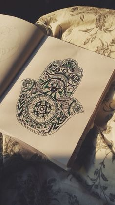 Mano di Fatima shared by Ghela on We Heart It Hand Quotes, Hand Of Fatima, Hamsa Hand, Zentangle, We Heart It, Tatting, Piercing, Hipster, Shoulder Bag
