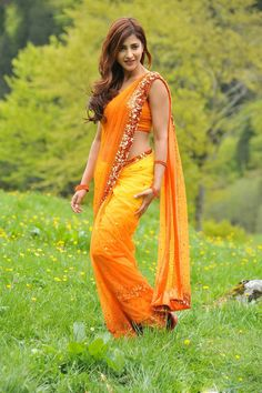 Shruti-Hasan-in-Magadheera-Movie-(11)4804