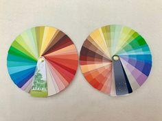 Kleurenwaaiers '2-sides' met 40 kleuren en 160 nuances   Style Consulting Warm Spring, Spring Colors, Type, Board, Beauty, Beauty Illustration, Planks
