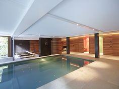 21 beste afbeeldingen van binnenzwembaden pools oasis for Binnen zwembaden