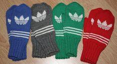 Kaksinkasin: Adidas-lapaset Mittens Pattern, Knit Mittens, Knitting Socks, Mitten Gloves, Knitting Charts, Knitting Patterns, Woolen Socks, Adidas, Diy Crochet
